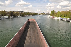 Barge Dole on the river Seine in Saint-Cloud 002.JPG