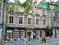 Beehive Inn, Grassmarket - geograph.org.uk - 1349754.jpg