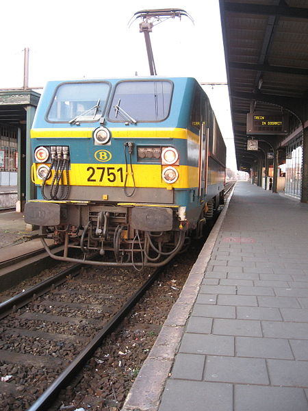 Belgian 2751 electrical locomotive in Gent