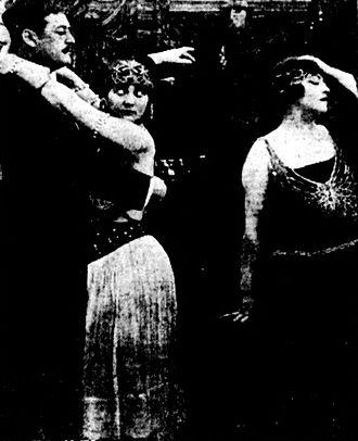 Bella Donna (1915 film) -  scene in the film, L to R: Julian L'Estrange, Betty Blythe(uncredited), Pauline Frederick.