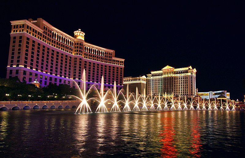 File:Bellagio Fountains at night.jpg