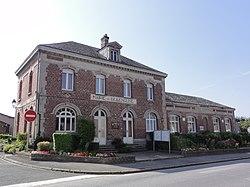 Bellenglise (Aisne) mairie et école.JPG