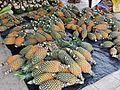 Big Pineapples - 400 Vatu (31404075815).jpg