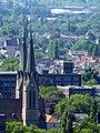 Blick vom Gasometer Oberhausen auf die Turmspitzen der Marienkirche Oberhausen - panoramio.jpg