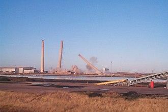 Blyth Power Station - The demolition of the station's chimneys