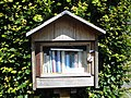 Boekenruilkastje Groeningestraat 10 Deerlijk.jpg