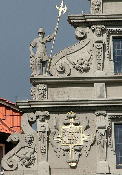 Datei: Braunschweig Braunschweig Gewandhausgiebel Detail links.jpg
