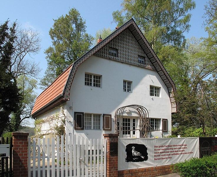 File:Brecht-Weigel-Haus Buckow 01.jpg