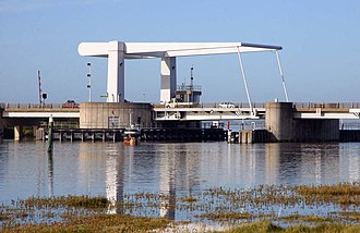Breydon Bridge - Image: Breydon Bridge geograph.org.uk 2249660