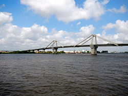 Bridge over the Magdalena River (16049525434).jpg