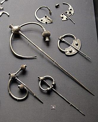 Penrith Hoard - Image: Britishmuseumpenrith hoardbrooches