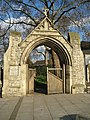 Bromley by Bow, How Memorial Gateway - geograph.org.uk - 766669.jpg