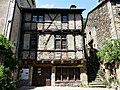 Brousse-le-Château maison pans de bois.jpg