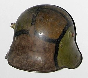 Stahlhelm - 1916 Stahlhelm with 1918 camouflage pattern applied in the field. (Musée de l'Armée)