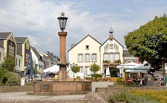 Wadern - Image: Brunnen auf dem Marktplatz Wadern