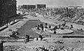 Budowa pierwszego pomnika Bohaterów Getta w Warszawie 1946.jpg