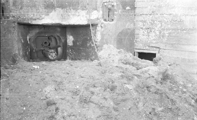 Bundesarchiv B 145 Bild-F016204-04, Russland, Panzerwerk über dem Dnjestr