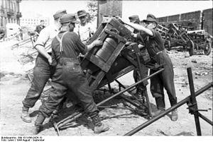28/32 cm Nebelwerfer 41 - Image: Bundesarchiv Bild 101I 696 0426 10, Warschauer Aufstand, Raketenwerfer Einsatz