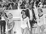 Bundesarchiv Bild 183-L0830-0217, XX. Olympiade, DDR-Turnerinnen, Karin Janz, Silbermedaille.jpg