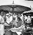 COLLECTIE TROPENMUSEUM Markt te Bukittinggi West-Sumatra TMnr 10002519.jpg
