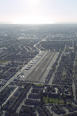 Compton/Woodley Airport - Image: COMPTON AIRPORT 2