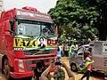Caminhão Abre Alas com uma buzina ensurdecedora, abrindo a manifestação que reivindicou o impeachment da presidente Dilma Rousseff (PT). Foi uma das maiores manifestações da cidade, 4000 pessoas parti - panoramio.jpg