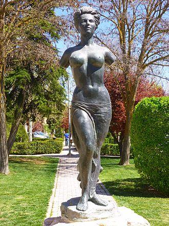 Sara Montiel - Monument to Montiel in Campo de Criptana.