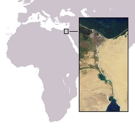 The location of the Suez Canal, which connects the Mediterranean and the Indian Ocean via the Red Sea. Canal de Suez.jpg