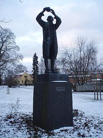 Carl Wilhelm Scheele - Statue of Scheele in Köping.