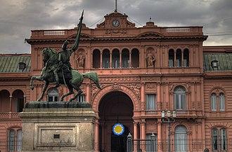 Equestrian monument to General Manuel Belgrano - Image: Casa Rosada, frente