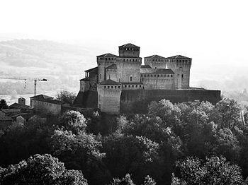 Castello di Torrechiara - tra le mura del passato-.jpeg