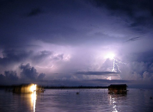 Catatumbo lightning at night