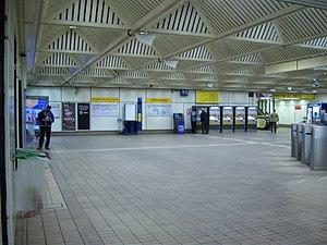 Central Station Metro station - Image: Central Station Metro station, 7 October 2013 (2)