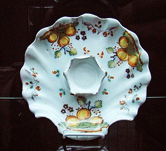 Talavera de la Reina pottery - Image: Ceramica Talavera fuente decorada ni