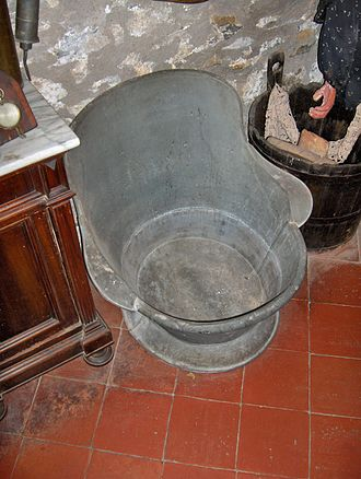 Bathtub - Traditional bathtub (19th century) from Italy