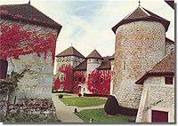 Château de Thorens cour intérieure.jpg
