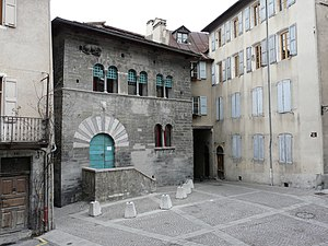 Embrun, Hautes-Alpes - House of the Chanonges (13th century).