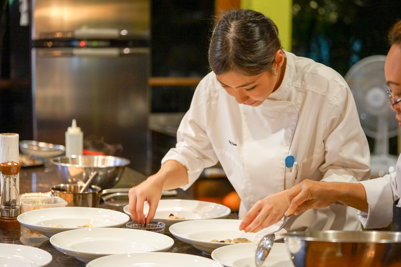 """File:Chef Pam is working on her dish in """"The Table"""" restaurant.png"""
