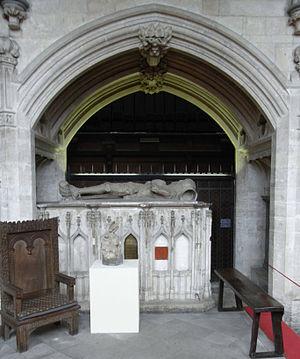 Maurice de Berkeley, 4th Baron Berkeley - Image: Chest Tomb Maurice Baron Berkeley D1368Bristol Cathedral