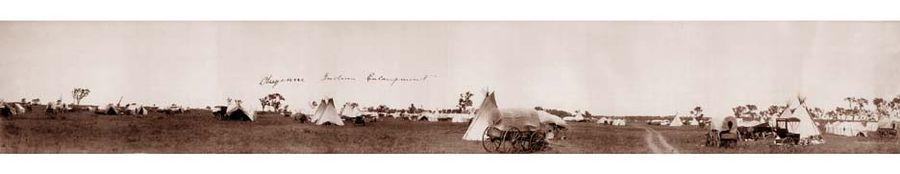Bandoleros, bandidos, sheriff, indios, etc. - Página 4 900px-Cheyenne_indian_encampment_1909