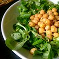 Chickpea salad w- lambs lettuce, flax seeds, oregano and balsamic vinegar (8005908417).jpg