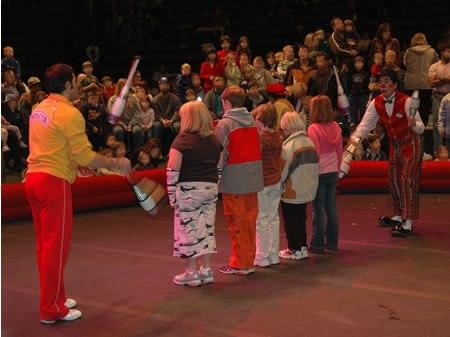 Circus-juggling