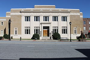 Caldwell County Courthouse (Lenoir, North Carolina) - Courthouse in 2014