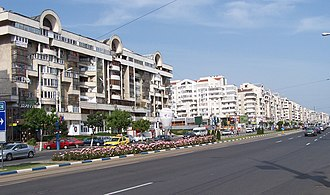 Craiova - Calea București (Bucharest Avenue), with late 1980s apartment buildings