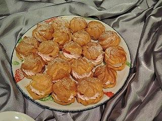 Profiterole Cream-filled pastry