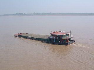 Dry bulk cargo barge