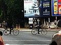 Cyclistes dans les rues de Ouagadougou4.jpg