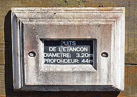 Détail-inscription-puits de l'Etançon.JPG