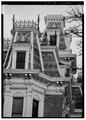DETAIL OF ROOF AT SOUTHEAST CORNER - J. Monroe Parker House, Main and Twelfth Streets, Davenport, Scott County, IA HABS IOWA,82-DAVPO,5-7.tif