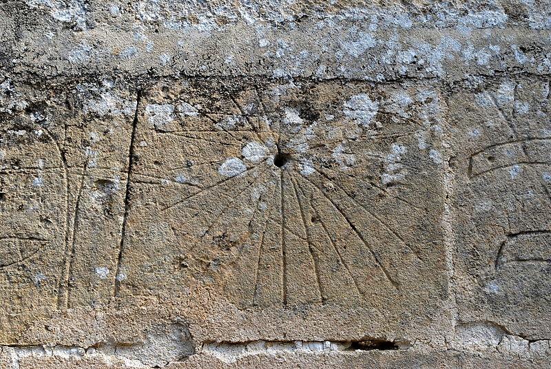 Daignac église St Christophe Cadran canonial 7.JPG